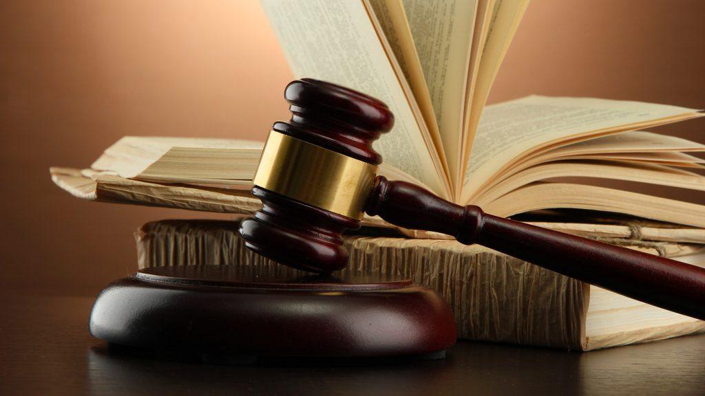 Pravilnik in zakonodaja